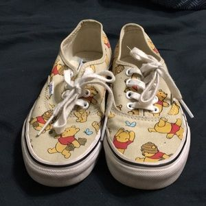 Super adorable Winnie the Pooh Vans look awesome